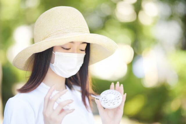 【2021年最新】夏のマスク対策できてる?暑さ・肌荒れ・蒸れに便利なアイテム集(冷感マスク、ハンズフリーファンなど)