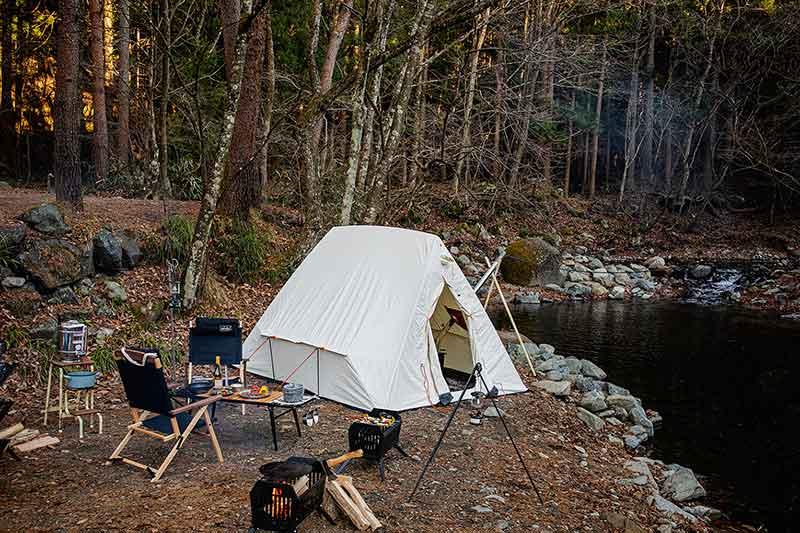 アメリカのガレージブランドが日本上陸! 薪ストーブOKの冬テントに注目!