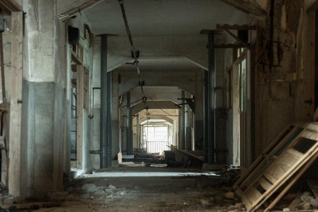 ホテル えびの 市 廃墟 【謎の廃墟】ホテル木町の画像がヤバい!20年間放置なのになぜ居住者が?