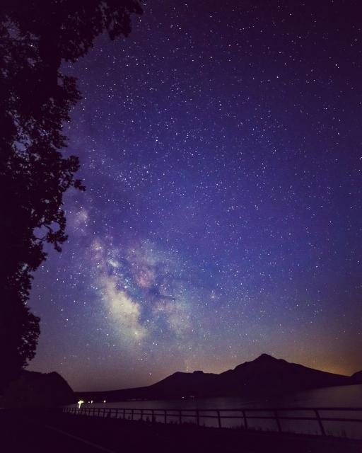 【湖で車中泊】日本の美しい湖畔26選と、周辺の車中泊スポットまとめ!山中湖、諏訪湖、芦ノ湖ほか【星空レビューも】